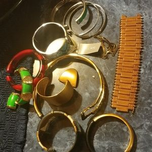 12 Pieces Designers Bracelets Damaged/ FLASH SALE